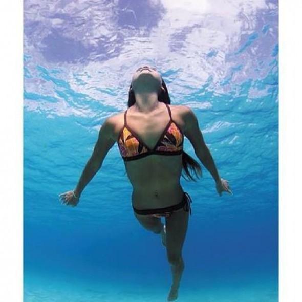Lauren_Oiye_swim_up